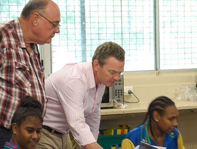 Warren Ensch and Christopher Pyne talk to Students